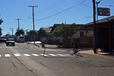 Prefeitura realiza reparos nas faixas de pedestres