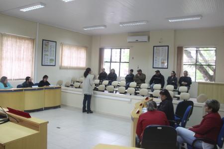 Administração realiza reunião com ambulantes para tratar da Romaria