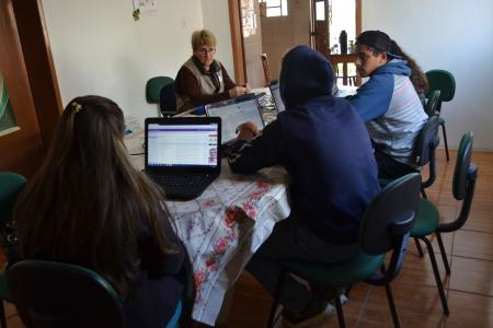 Creas realiza curso de inclusão digital