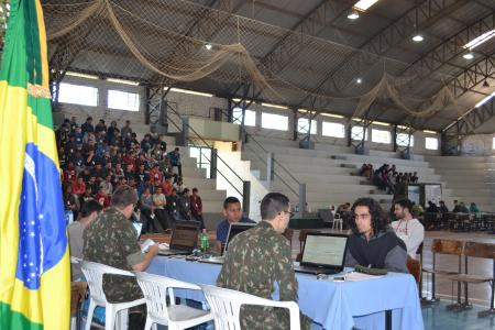 Jovens Taquarienses se apresentam ao Serviço Militar