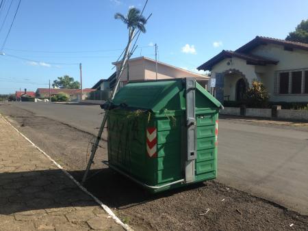Administração Municipal orienta sobre o descarte correto de lixo da coleta automatizada