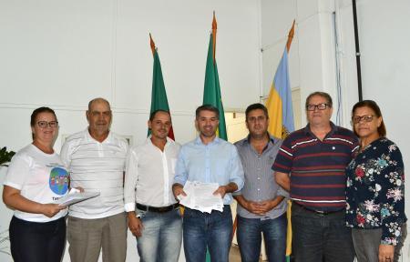 Prefeitura firma convênio com entidades do município