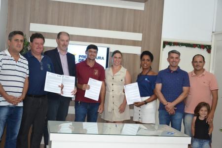 Assinados termos de incentivo para quatro empresas em Taquari