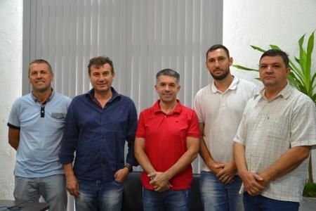 Taquari e Bom Retiro do Sul celebram parceria para manutenção de estradas