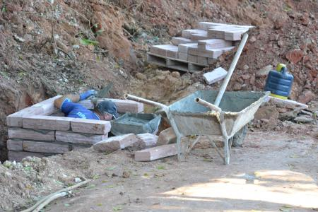 Iniciado trabalho de drenagem na Rua José de Farias Guimarães Filho