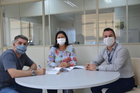 Prefeitura firma termo de cooperação com a Corsan