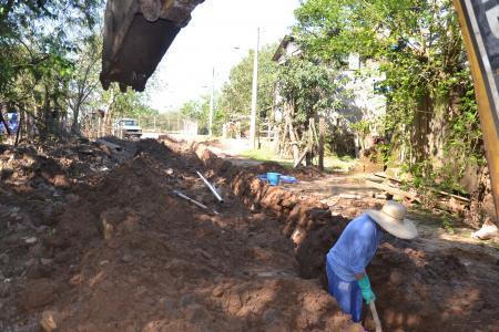 Etapa de troca de tubulação é iniciada em ruas do bairro Praia