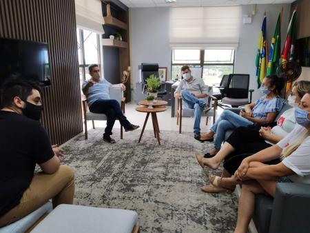 Administração municipal firma parceria com entidades protetoras dos animais