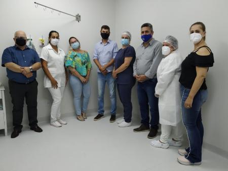 Técnica em enfermagem foi a primeira pessoa imunizada em Taquari