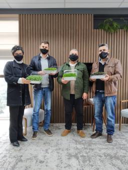 Agricultor apresenta produção de microverdes em Taquari