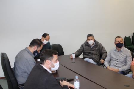 Prefeito André Brito participa de reunião com representantes da concessionária do pedágio da RSC-287